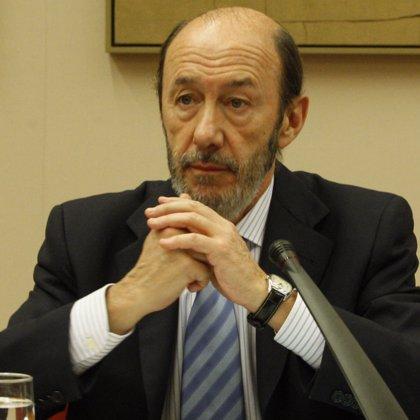"""Primarias.- Rubalcaba cree que el """"mayor activo"""" de Gómez es haber dicho 'no' a Zapatero y que eso será su """"rémora"""""""