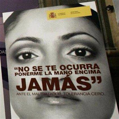 Los restos mortales de la mujer asesinada por su marido en Lugo reciben sepultura