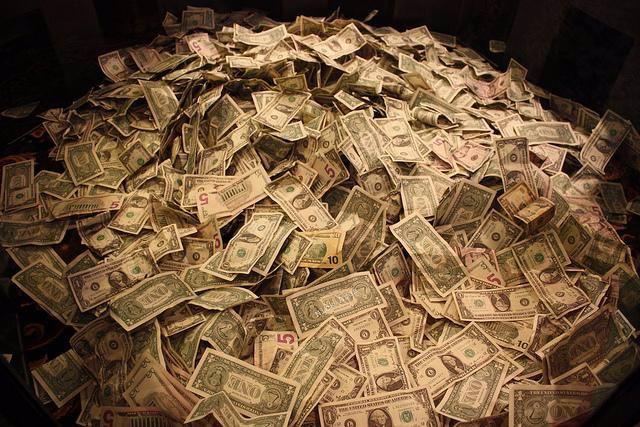 Montaña de dinero.