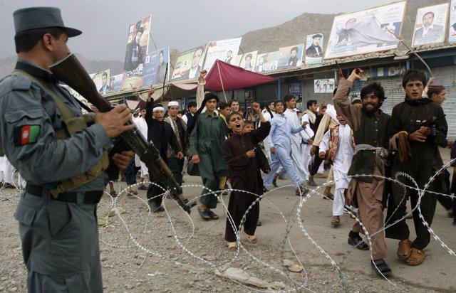 Protestas en Afganistán contra la quema del corán