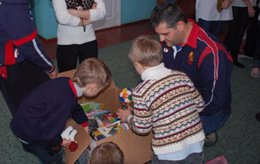 La asociación está centrada en la ayuda a orfanatos