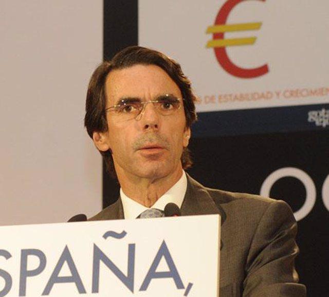 Aznar en un acto de las FAES