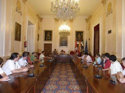 Cáceres 2016.- Heras se compromete con hosteleros a que la obra de la Plaza Mayor esté finalizada a mediados de marzo