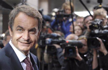 Zapatero y Rajoy aterrizan en Catalunya para impulsar la precampaña del PSC y PP