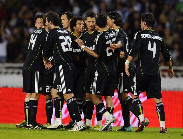 El Real Madrid gana en San Sebastián