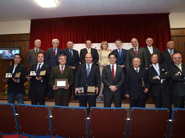 Foto de familia de los galardonados en la última edición de los premios.