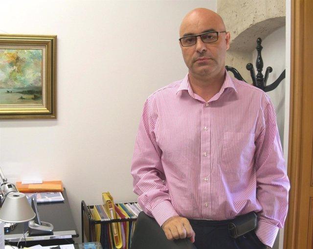El vicerrector de Investigación de la UVA, Luis Miguel Nieto.