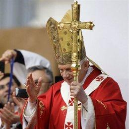 El papa, Benedicto XVI, na so visita a Inglaterra.