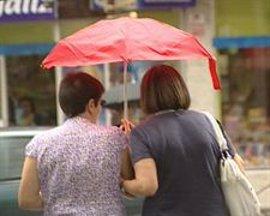 Un total de 27 provincias, entre ellas Cáceres y Badajoz, estará este lunes en alerta por lluvias y tormentas