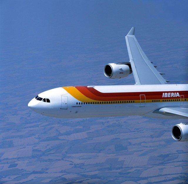 Un avión A340-600 de la aeorlínea española Iberia