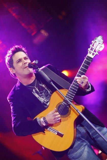 Alejandro Sanz ofrece este jueves en la capital un concierto en el que estará acompañado por Bisbal