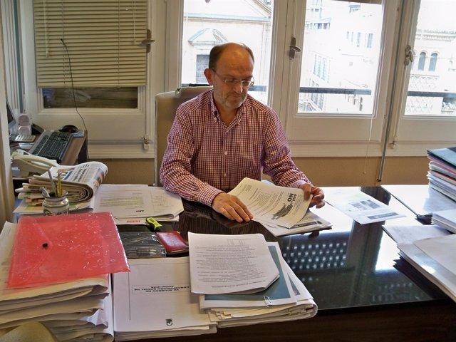 secretario general de ugt aragón, Julián Lóriz