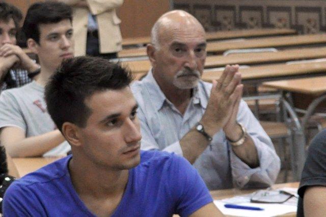 Estudiante de 76 años en la Universidad