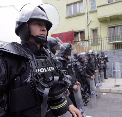 Ecuador prolonga hasta diciembre las bonificaciones a policías y militares
