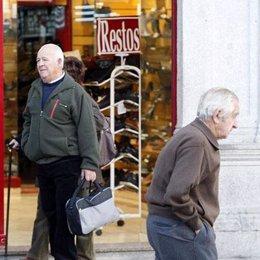 ancianos por la calle