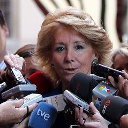 Primer plano de Esperanza Aguirre