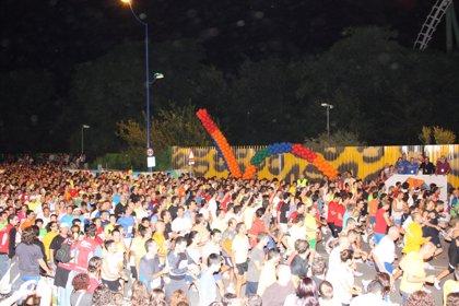 La XXII 'Nocturna del Guadalquivir' cosecha 20.702 corredores y Pentinel se alza con la victoria
