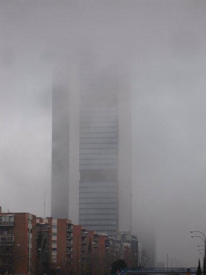 La niebla y la lluvia dificultan la conducción en siete tramos de carreteras de CyL