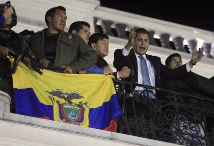 El jefe de la Policía ecuatoriana se disculpa por la sublevación