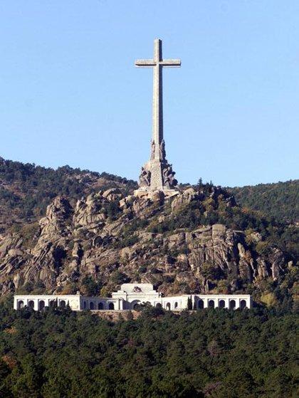 """La Falange anuncia que va a presentar este miércoles una querella por las """"profanaciones"""" en el Valle de los Caídos"""