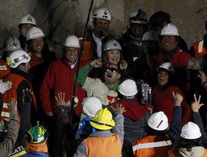 Ya son tres los mineros rescatados en Chile