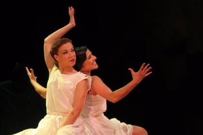La compañía canaria Helena Turbo Teatro representa 'Luz, más luz' en la muestra 'Avantelón' 2010, en Córdoba