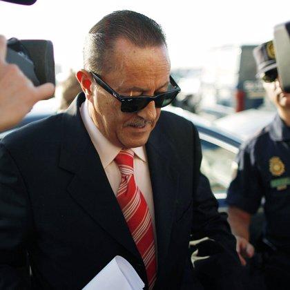 Muñoz y Zaldívar acuden a los juzgados para que se le notifique la apertura de juicio oral