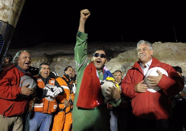 El rescate de los mineros (Luis Urzúa) chilenos ha finalizado