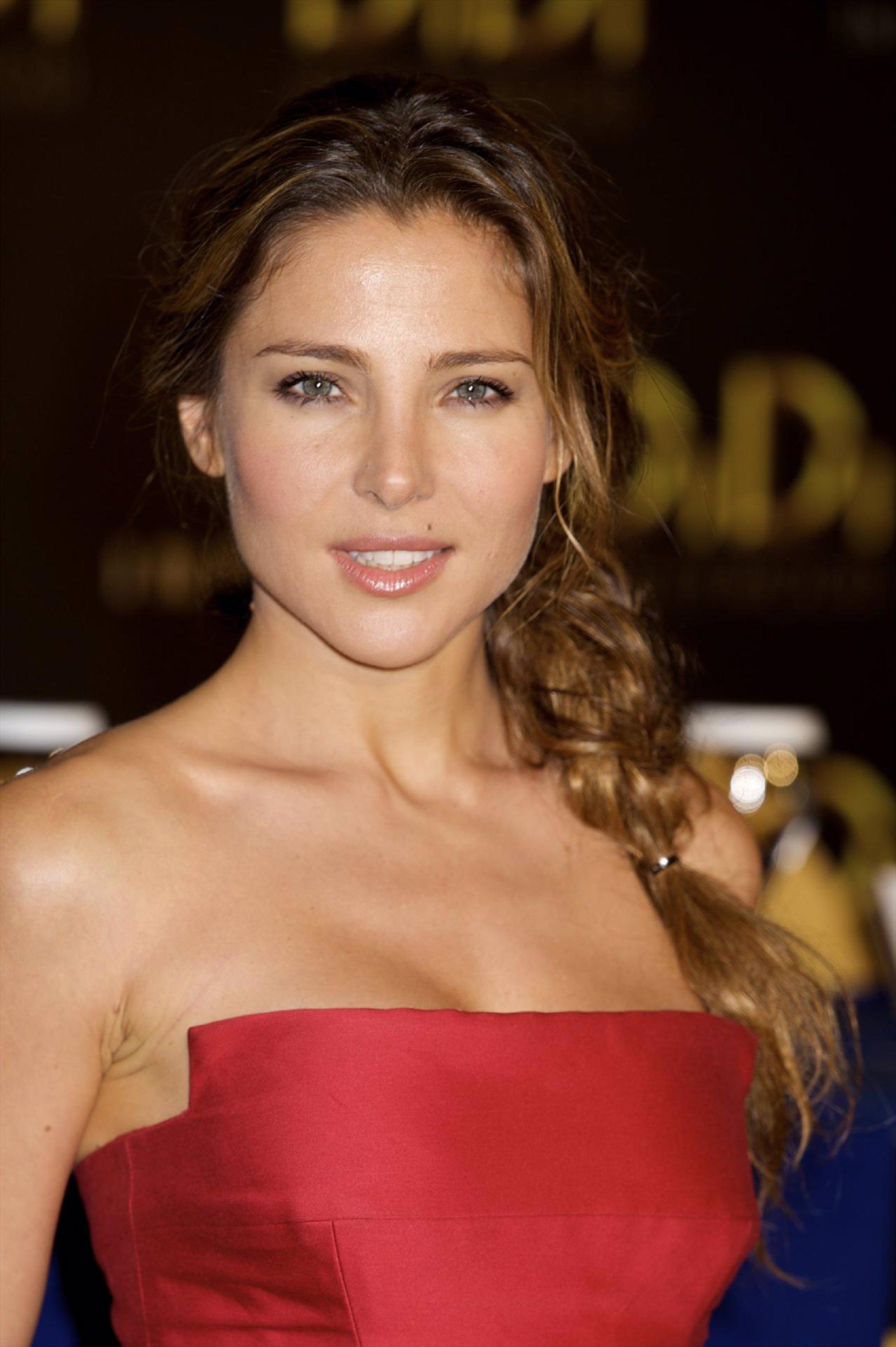 Elsa Pataky Di Di Hollywood - ES 2010 [butt] nudes (59 pics)