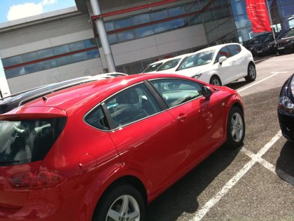 La venta de coches en Castilla-La Mancha cae un 40,94% en la primera quincena de octubre, según FACONAUTO