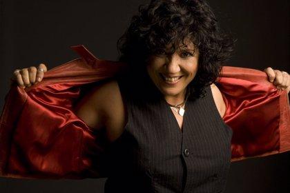 La cantante Rosana presenta este domingo en Cangas su disco 'A las buenas y a las malas'