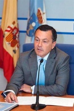 El conselleiro Agustín Hernández.