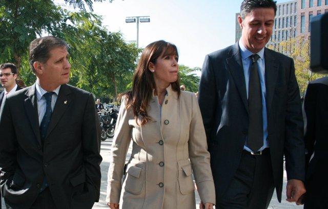 Alicia Sánchez-Camacho con Alberto Fernández y Xavier García Albiol