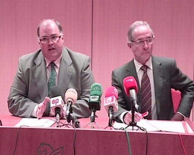 Fernando de Rosa y Vicente Folgado comparecen en rueda de prensa.