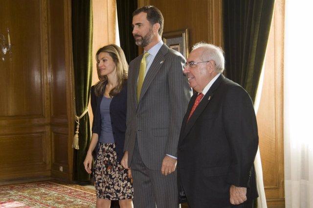 Los Príncipes de Asturias y el Presidente del Principado de Asturias en Oviedo