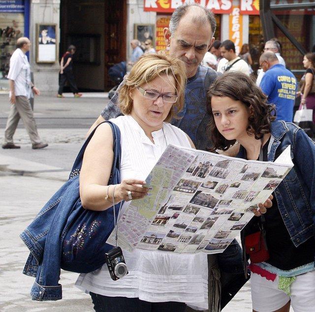 Turistas visitando Madrid
