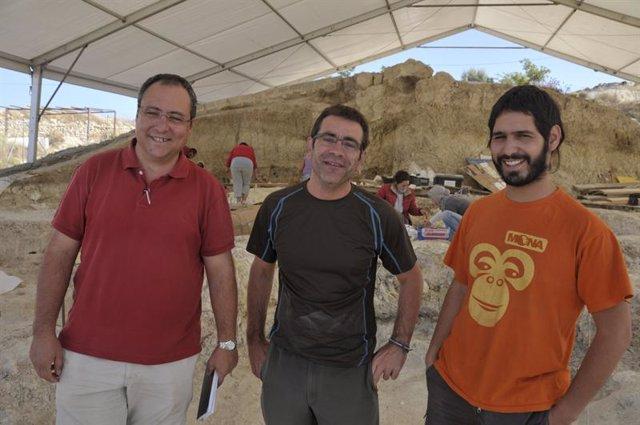 Investigadores en Orce (Granada)