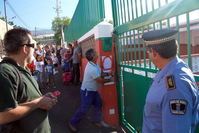 Nota Y Fotos: Los Padres Del Colegio Aponte De Alcalá Volverán A Cerrar El Centr
