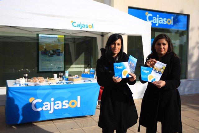 Acción promocional de Cajasol en Córdoba.