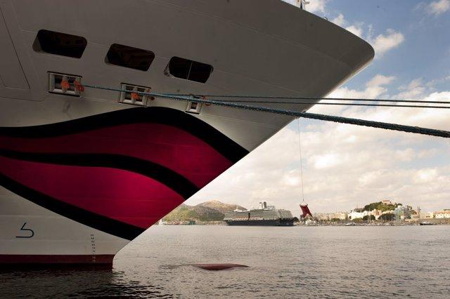 Los cruceros Aidabella y Noordam traen a Cartagena 4.000 turistas