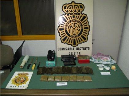 Desarticulan dos puntos de venta de droga en la zona oeste de la capital y detienen a tres personas