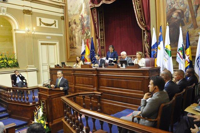 El presidente de Canarias, Paulino Rivero, durante su intervención