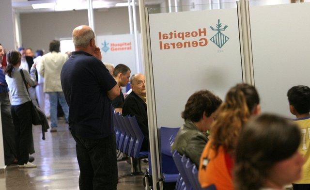 Pasillo de Consultas Externas del Hospital General de Valencia