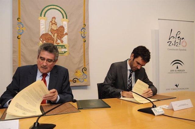 Firma del convenio entre Junta y José Tomás