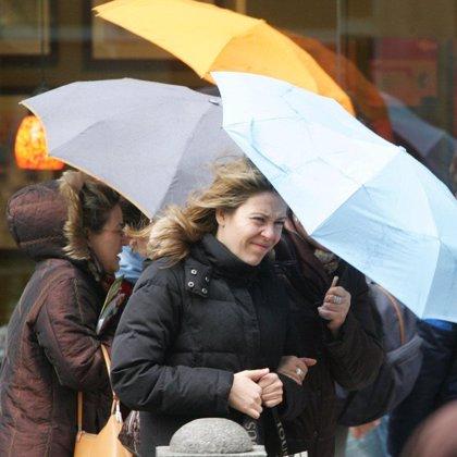 Un total de 29 provincias, entre ellas Asturias, están en alerta naranja por vientos que podrán alcanzar los 115 km/h