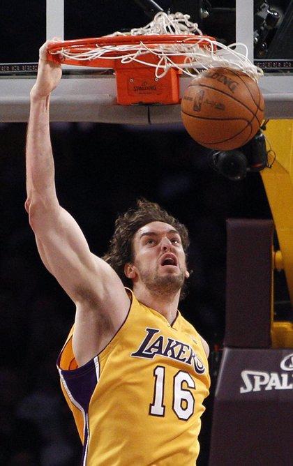 Gasol suma un 'triple-doble' en la victoria de Lakers ante Portland