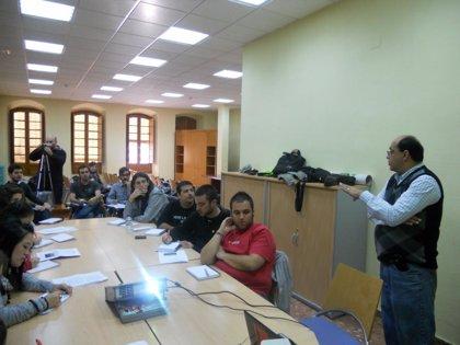 La fase de formación del programa 'Jóvenes con América Latina' finaliza con una sesión en Baños de Montemayor (Cáceres)