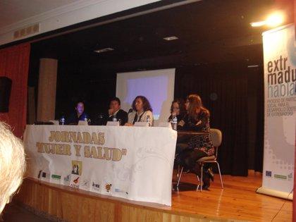 Unas 100 personas participan en unas Jornadas de Mujer y Salud en Casas de Millán (Cáceres)