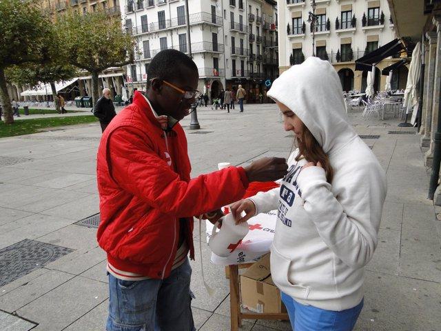 Cruz Roja celebra el Día de la Banderita en Pamplona.