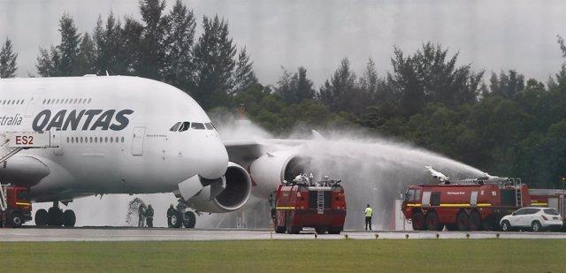 Aterrizaje de emergerncia de un avión Qantas